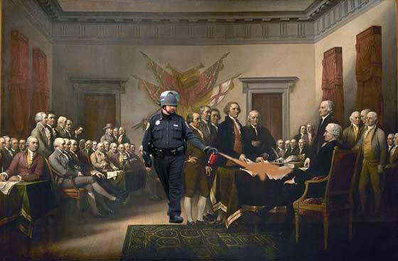 pepper spray cop const